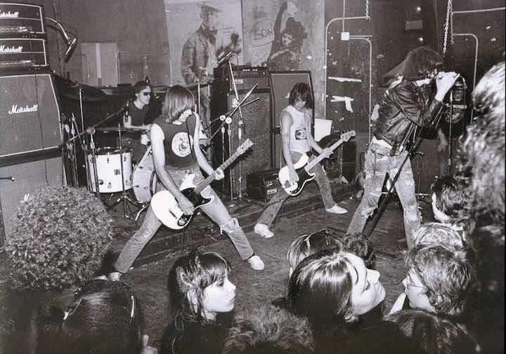 por_favor_matame_Ramones CBCG 1974